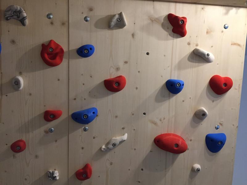 Bild 1 von Christine zu KMZ Holds - Set 3 - 22er Set S Klettergriffset