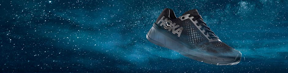 Hoka One One | Flight at night